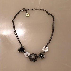 Flower short necklace